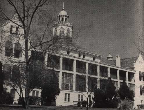 Early photo of the Cotton Belt Hospital, Texarkana, Arkansas