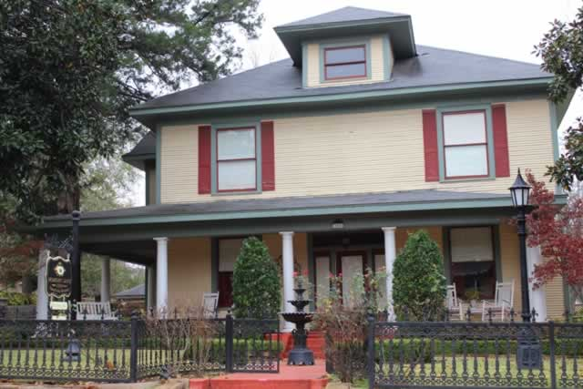 Memory Lane Inn ... a Crafting Retreat, in Tyler Texas