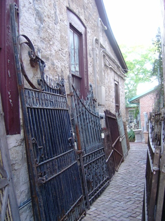 Antiques for sale in Fredericksburg Texas