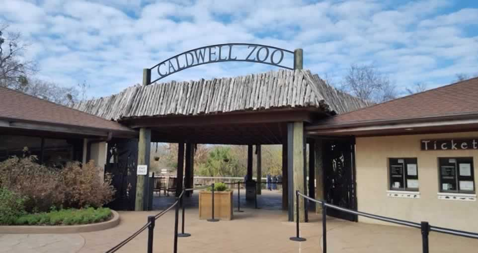 Entrance area to the Caldwell Zoo in Tyler, Texas