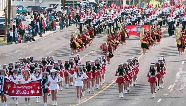 2017 Texas Rose Festival, Rose Parade in Tyler, 2017 Rose Queen ...