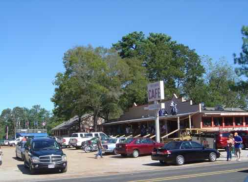 The Shed Cafe, Edom, Texas ... legendary home cooking & desserts for over 35 years